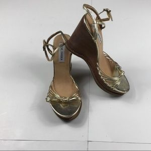 Steve Madden Gold Clausen Wedges Size 6.5